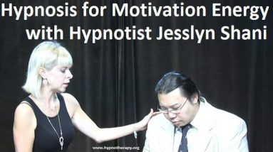 Hypnosis for Energy with Jesslyn - post hypnotic triggers #hypnosis (Hypnotist Bernie's Exposition)