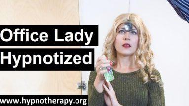 Lady in trance 32 Emily Hypnotized